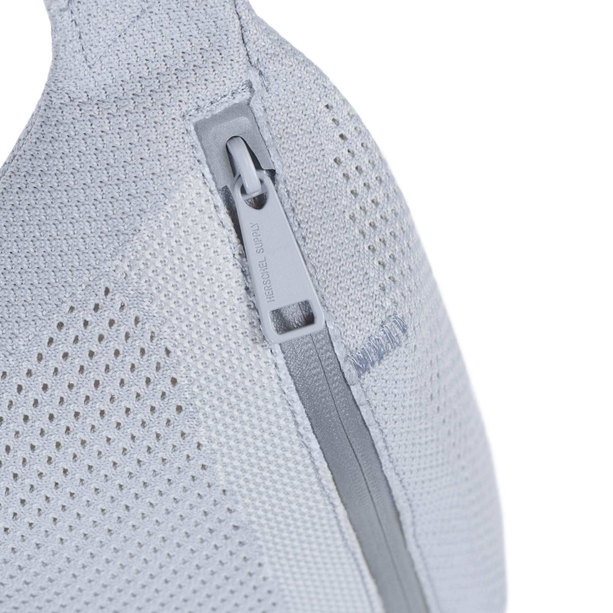 1e6e63e076e0 ApexKnit™ technology  Waterproof zipper with Icon pull-tab and reflective  dock ...